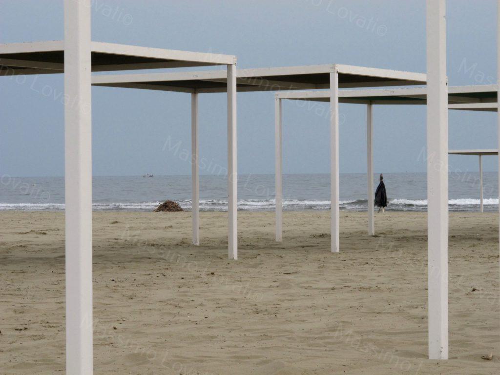 Viareggio, Strutture di stabilimento balneare in Aprile
