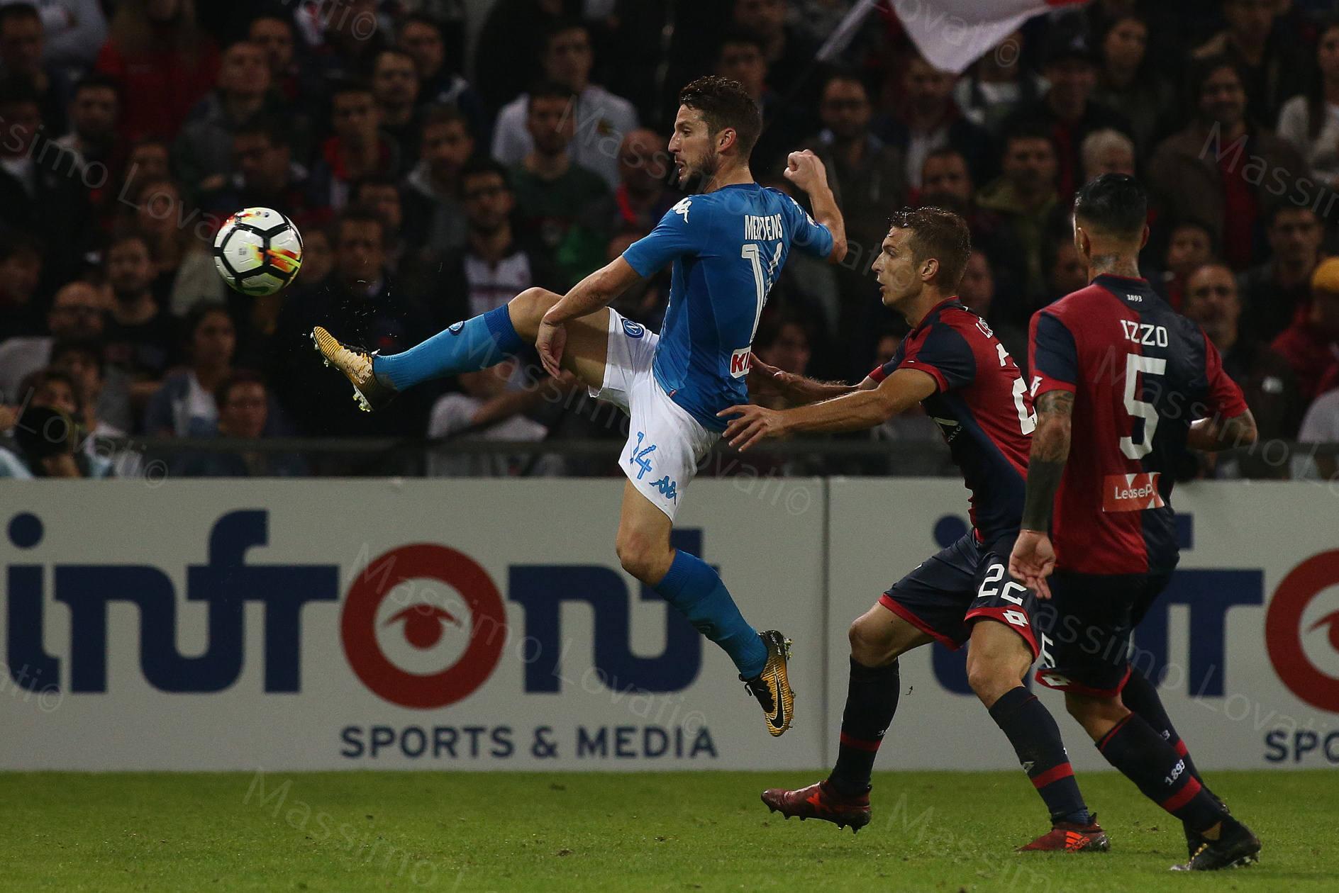 25/10/2017, Genova , Campionato di Calcio Serie A, Genoa - Napoli, nella foto Mertens in volo