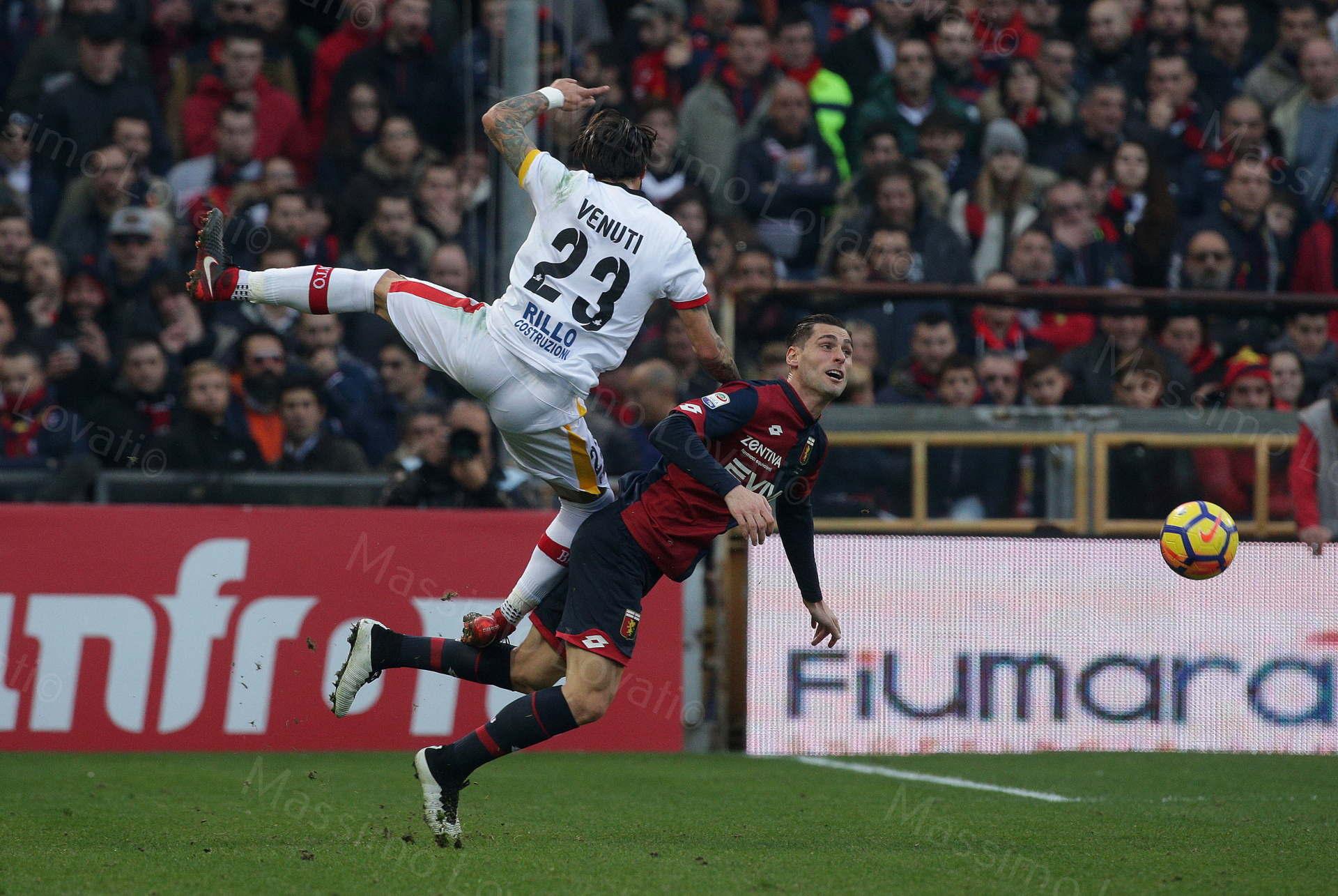 23/12/2017, Genova , Campionato di Calcio Serie A, Genoa- Benevento, nella foto Venuti crolla su Rosi