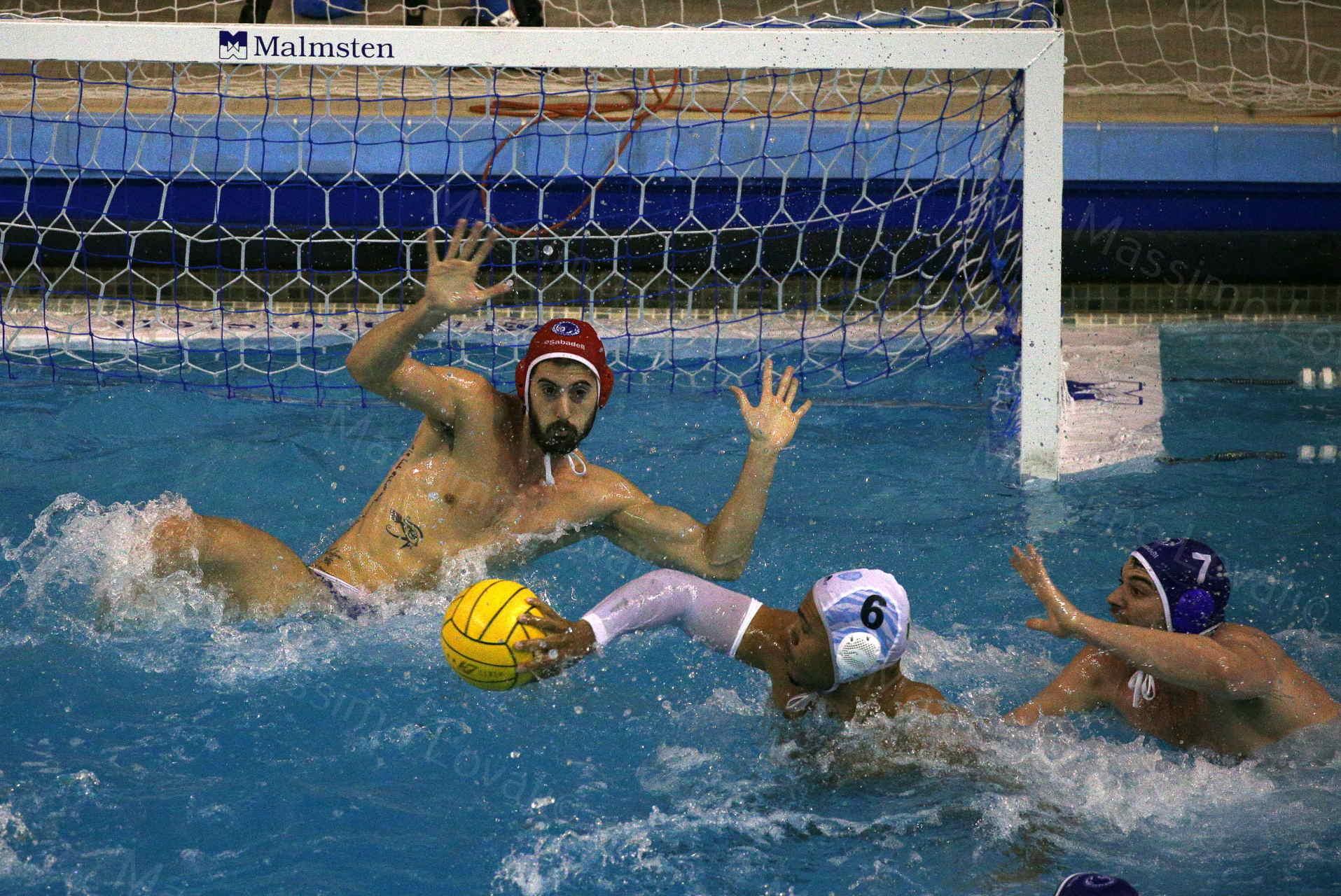 13/01/2018, Genova, LEN Champion League, Pro Recco- Sabadel, nella foto Motos sul tiro di Bodegas