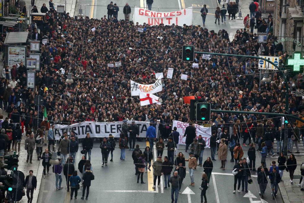 18/02/2019, Genova, Sciopero degli studenti delle medie Superiori contro il nuovo esame di maturità