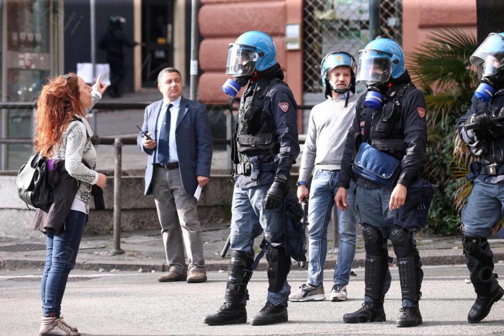 23/05/2019,Genova, Presidio antifascista (Cgil,Anpi, Comuntà di S.Egidio, Arci) contro il comizio di Casapound in Piazza Marsala e scontri tra polizia e antagonisti in Piazza Corvetto