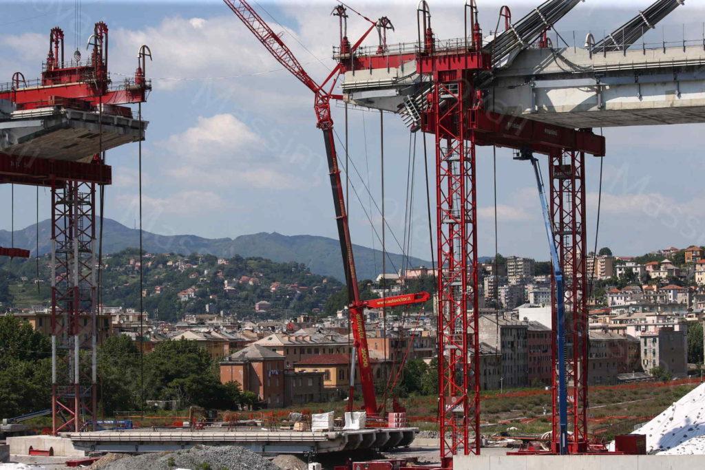 31/05/2019, Genova, l'Impalcato tra la Pila 10 e 11 del Ponte Morandi a terra