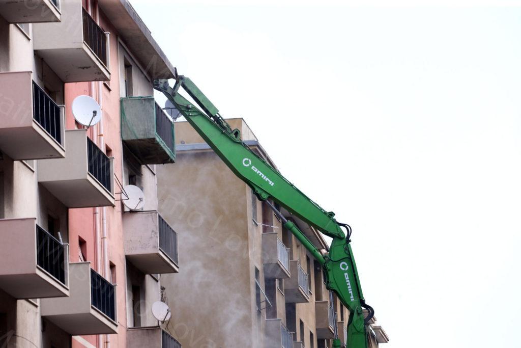 04/06/2019, Demolizione del Civico 10 di Via Porro