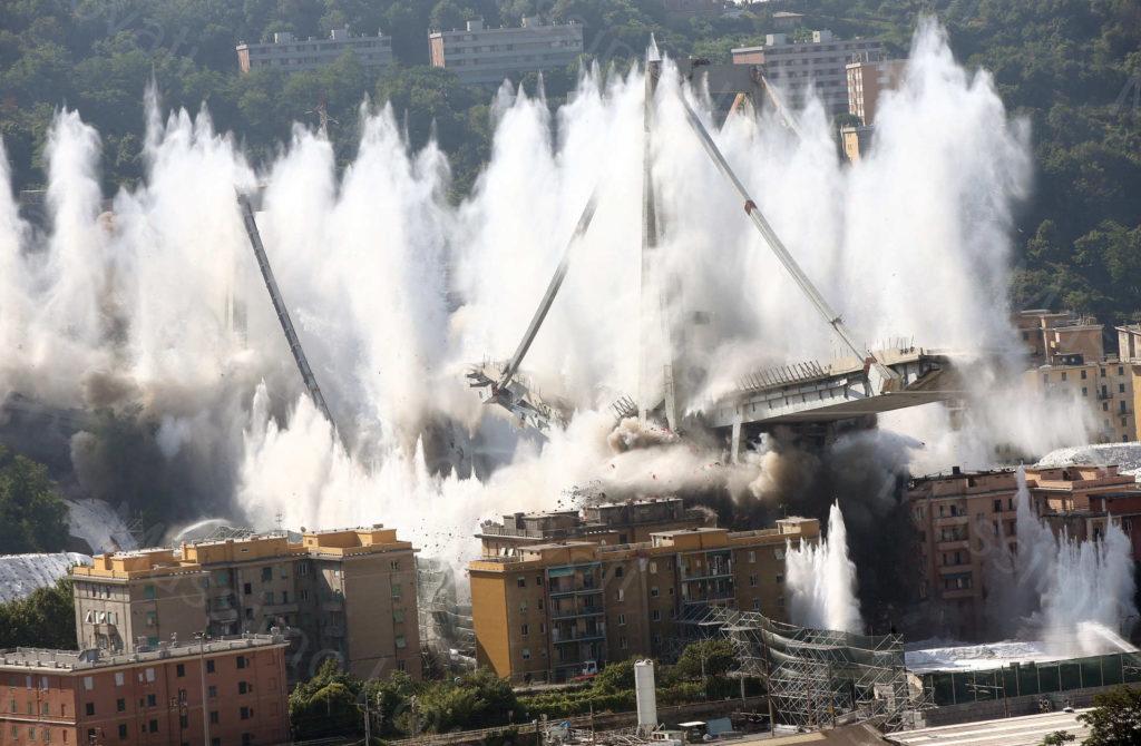 28/06/2019, Genova, Esplosione delle pile 10-11 del Ponte Morandi e macerie