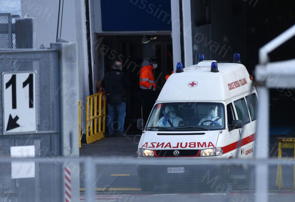 25/03/2020 Genova,Ambulanza esce da Nave Ospedale Spendid  (data da GNV alla Regione Liguria) dopo aver portato un paziente per quarantena COVID19