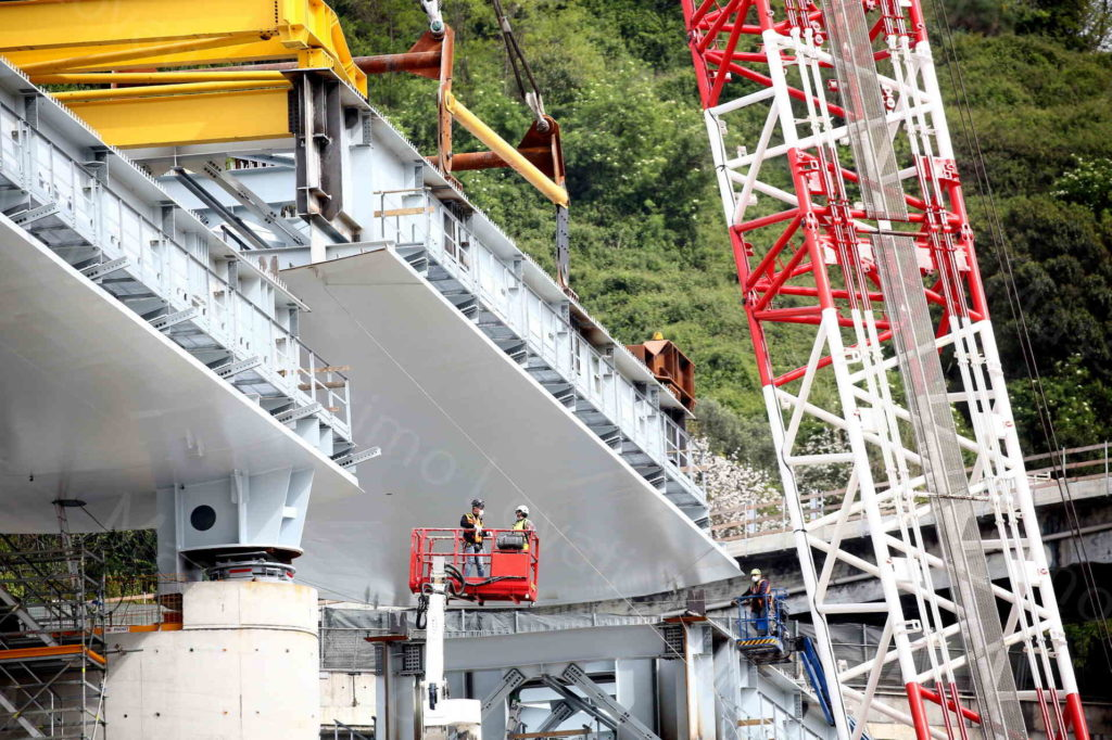17/04/2020, Genova, Varo della campata tra le pile 17 e 18 del nuovo ponte di Genova