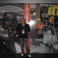 2009 Gernova Salone Nautico davanti allo Stand della Azienda Polipodio assemblato con le mie fotografie