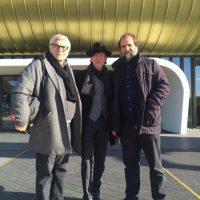2016 Prato davanti al Museo Pecci con l'architetto Maurice Nio ( progettista dell ampliamento del Museo) e Stefano Pezzato, curatore del Museo