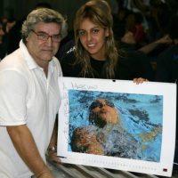 Genova Piscina Sciorba 2008 con la campionessa Alessia Filippi con il mio calendario Solid Water Liquid Bodies