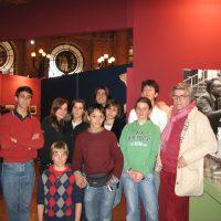 2007 con allievi Corso Fotografia liceo Cassini di Genova alla mostra di Leoni